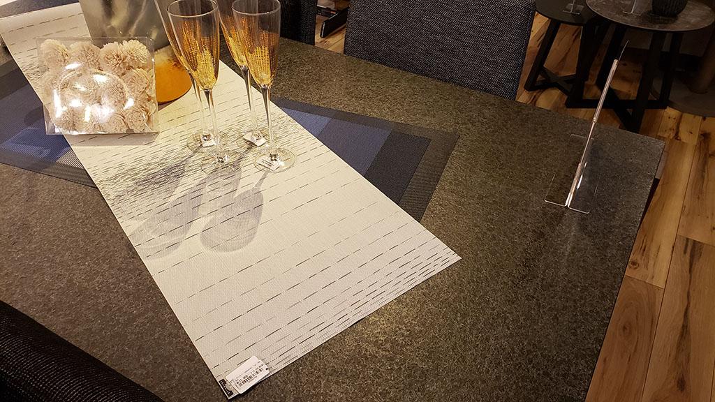 天然御影石天板のPIETRAテーブル