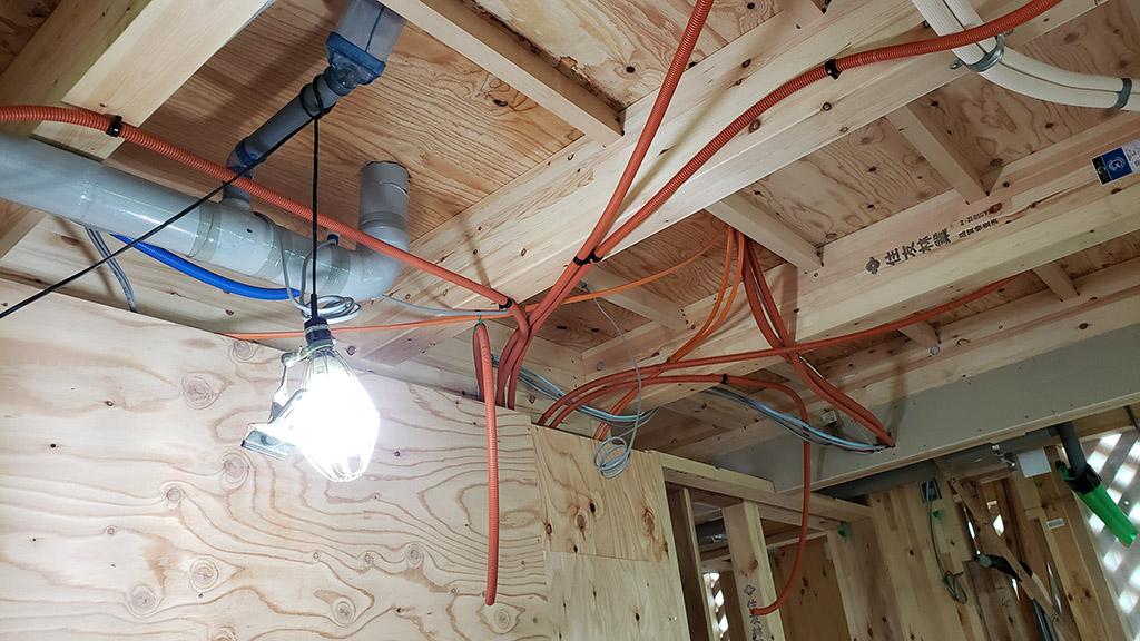 天井スピーカー用のCD管