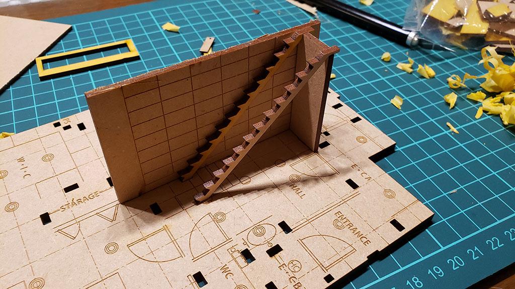 製作途中の鉄骨階段