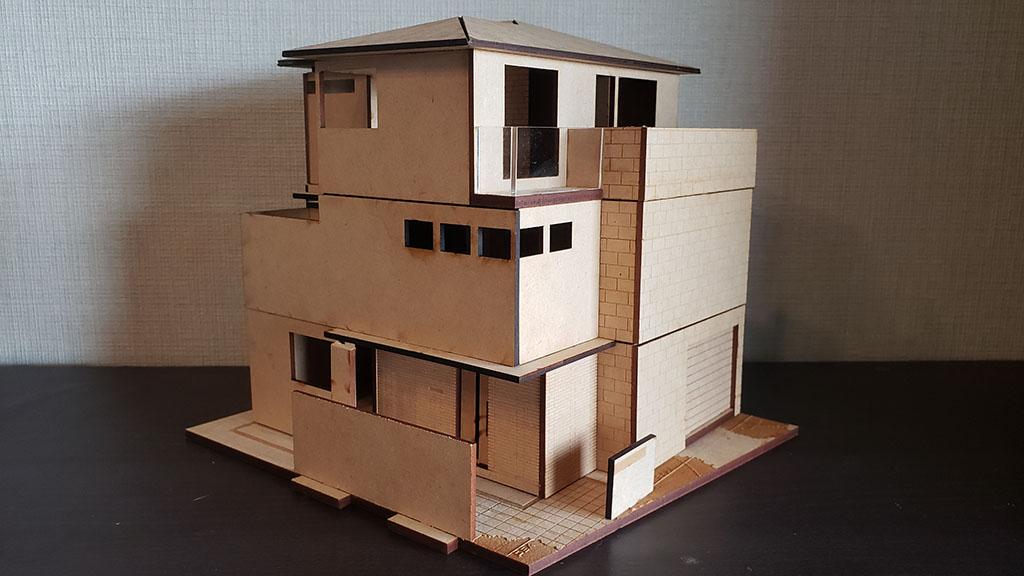 完成したMDF製の住宅模型