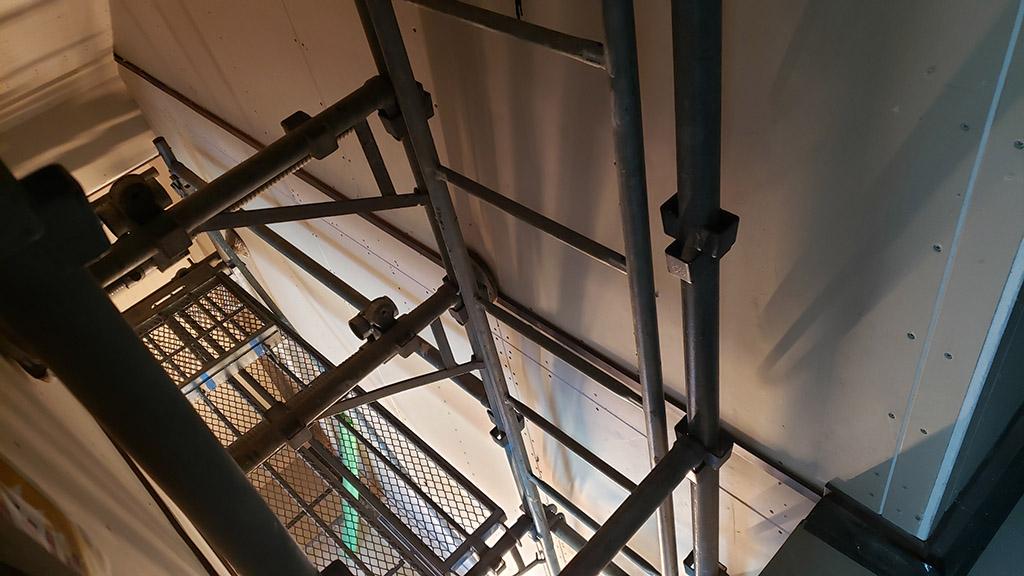 巾木の納まり(1~2階)