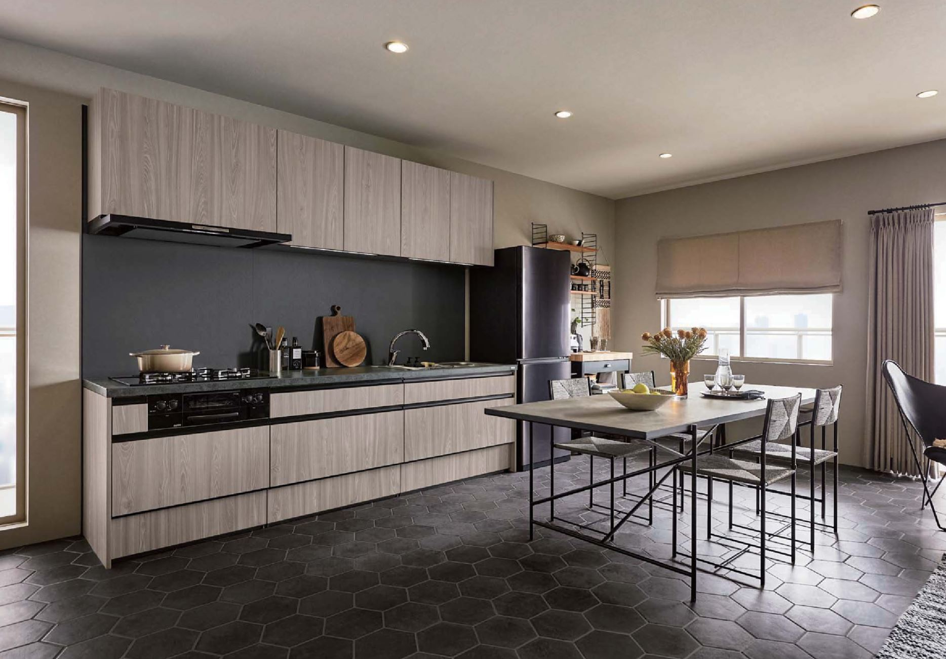 壁付けキッチンの例(出典:LIXIL)