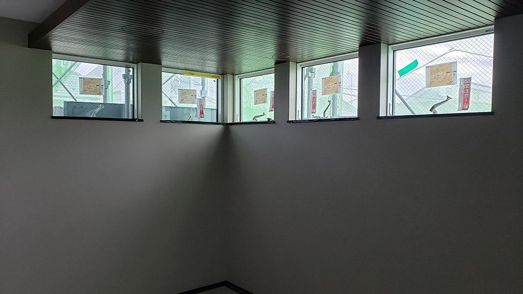 2階のクロス(9月8日)