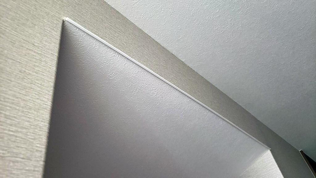 2階階段天井の見切材