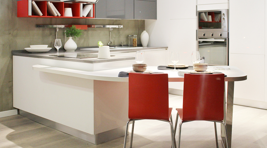 L型キッチンの例(出典:サンワカンパニー)